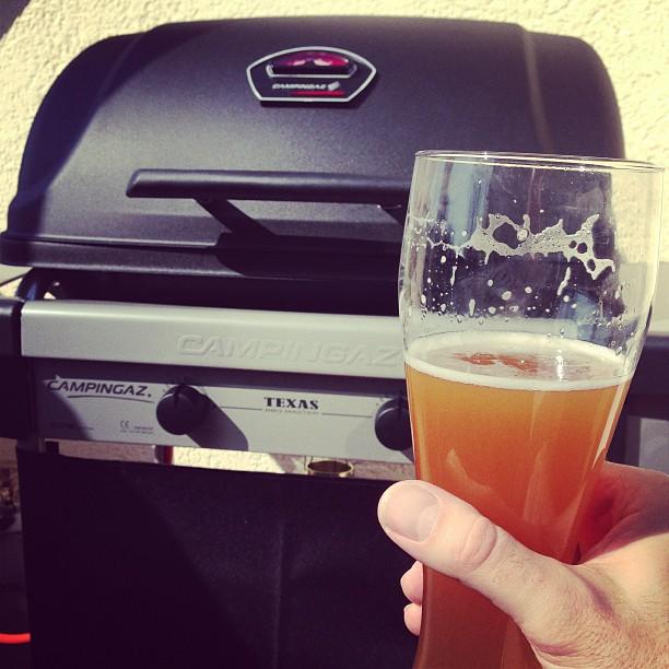 Heute wird der neue Grill eingeweiht. @ulinstagram ist dabei.